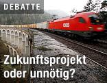 ÖBB-Zug fährt über Brücke