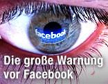 Facebook-Logo spiegelt sich im Auge