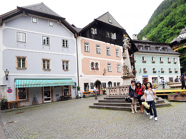 Chinesische Touristen in Hallstatt, Oberösterreich