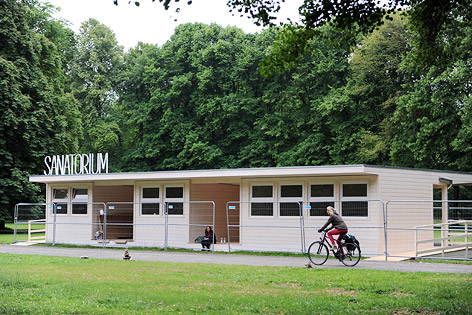 """Gebäude mit Schriftzug """"Sanatorium"""" in der Karlsaue in Kassel"""
