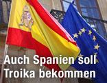 Spanische Fahne und EU-Flagge