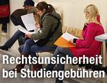 Wartende Studierende