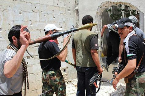 Rebellen in Syrien bereiten Waffen vor