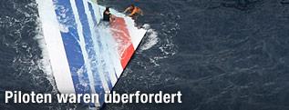 Heckflosse des abgestürzten Air-France-Flugzeuges im Meer