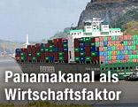 Frachtschiff im Panamakanal