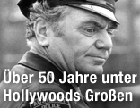 "Borgnine als New Yorker Hilfspolizist Carrol O'Connor in ""Law and Disorder"""