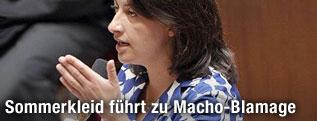 Frankreichs Wohnbauministerin Cecile Duflot im Parlament