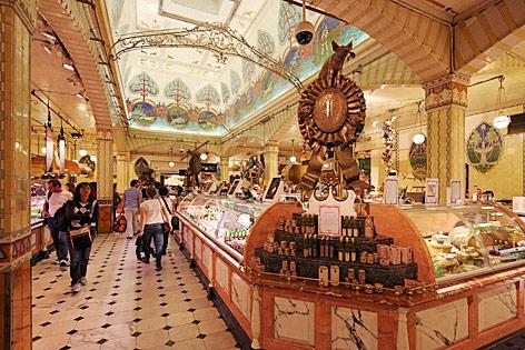 Innenansicht des Kaufhauses Harrods in London