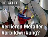 Arbeiter vermisst Metallrolle