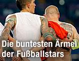 Rückenansicht der dänischen Spieler Daniel Agger and Niki Zimling