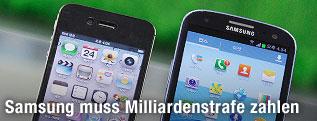 Samsung- und Apple-Smartphone nebeneinander