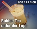 Bubble Tea im Glas mit Strohhalm