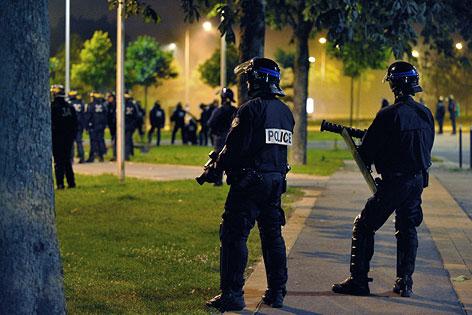 Polizeieinsatz in Amiens bei Paris