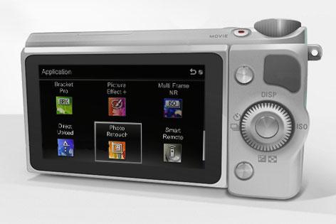 Rückseite der Sony Nex-5R mit angezeigten Apps.