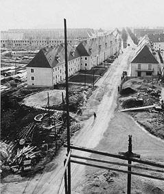 Blick vom Werkshotel Spallerhof in die Glimpfingerstraße, 1938/39