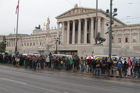 Demonstration vor dem Parlament