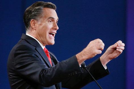 US-Präsidentschaftskandidat Mitt Romney gestikulierend