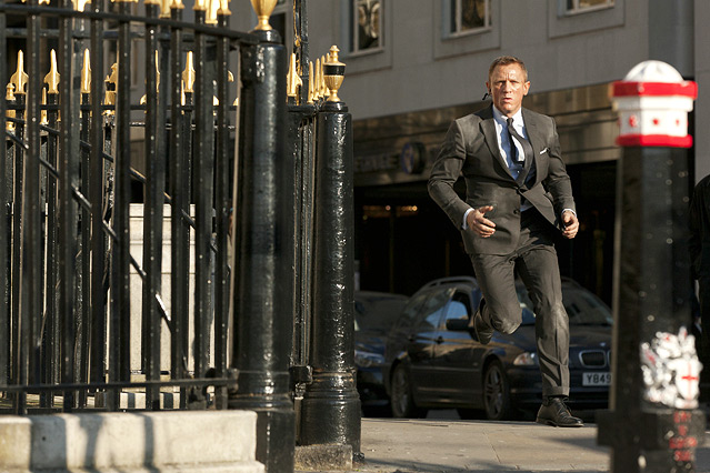 "Szene aus dem neuen James Bond ""Skyfall"", Bond bei einer Verfolgungsjagd"