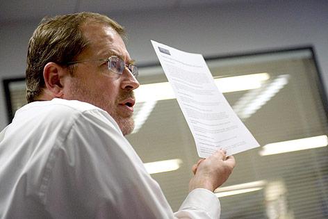 """Grover Norquist mit dem """"Tax-Pledge"""" (""""Steuerschwur"""")"""
