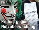 """Aktivist der Gruppe """"Anonymous"""" bei einer Kundgebung gegen die Vorratsdatenspeicherung"""