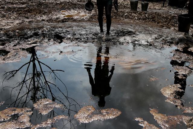 Ölverseuchtes Wasser