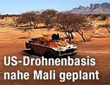 Ausgebrannter Panzer in Mali