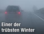 Nebel und Regen auf der Autobahn