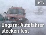 Verunfallte Autos im Schnee