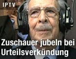 Guatemalas Ex-Diktator Efrain Rios Montt mit Kopfhörern