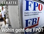 Ein Schild am Eingang zur Bundesparteizentrale der FPÖ am Friedrich-Schmidt-Platz in Wien