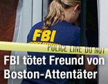 FBI-Agentin betritt ein Haus