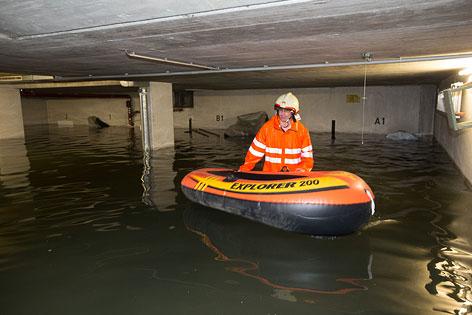 Überflutete Tiefgarage in der Stadt Salzburg