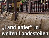 Überschwemmte Hotelterrasse