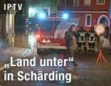 Feuerwehrmänner in Schärding