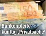 Geldzählmaschine mit Euroscheinen