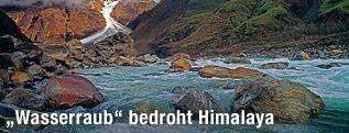 Fluss im Himalaya