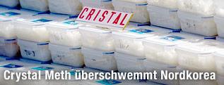 Plastikcontainer mit der Droge Crystal Meth