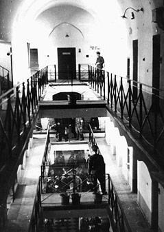 Blick in einen Zellenkorridor der Strafanstalt Pankratz in Prag