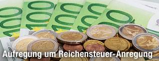 Euro-Scheine und Münzen