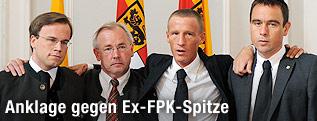 Kärntens Altlandeshauptmann Gerhard Dörfler (FPÖ), Ex-FPÖ-Landesparteichef Uwe Scheuch, Ex-Finanzlandesrat Harald Dobernig (FPÖ) sowie der ehemalige BZÖ-Nationalratsabgeordnete Stefan Petzner