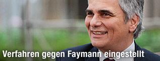 Lachender Bundeskanzler Werner Faymann (SPÖ)