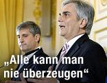 Bundeskanzler Werner Faymann (SPÖ) und Vizekanzler Michael Spindelegger (ÖVP) während einer PK zum Koalitionsübereinkommen