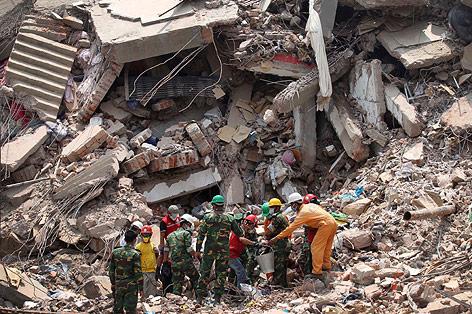 Eingestürztes Fabriksgebäude
