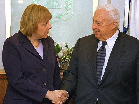 Ariel Scharon und Angela Merkel, 2001
