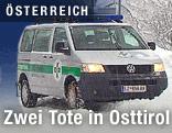 Fahrzeug der Bergrettung im Schnee