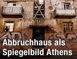 "Aufnahme aus dem Wohnblock ""Prosfygika"" in Athen"