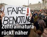 """Banner mit der Aufschrift """"Faire Benotung"""""""