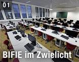 Klassenzimmer mit Computern