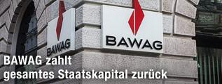 BAWAG-Logo an einer Filiale