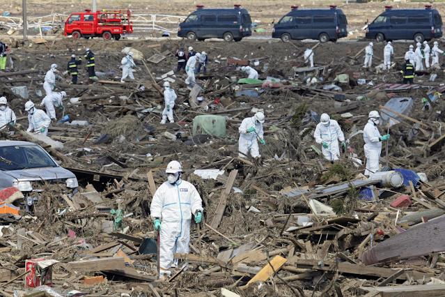 Aufräumarbeiten nach Tsunami